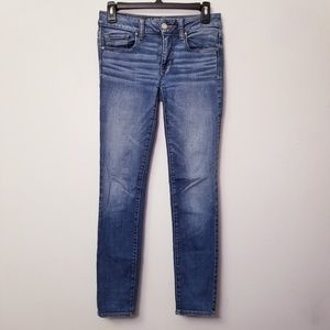 American Eagle Size 2 Light Wash Skinny Jeans